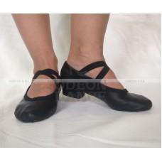 Балетки на каблуке черные